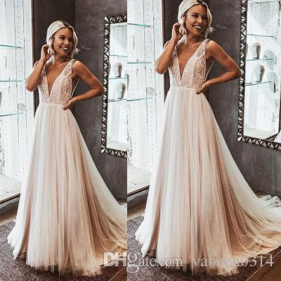 2019 European new ladies sexy V-neck lace Spaghetti evening dress / explosion models high-grade light pink V-neck Backless Prom Dresses