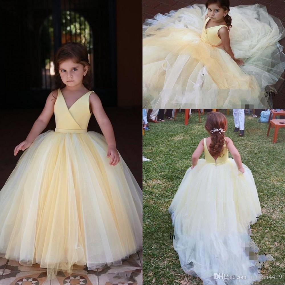 새로운 저렴한 옅은 노랑 공주 꽃 소녀 드레스 V 넥 새틴 얇은 명주 그물 민소매 열기로 돌아 가기 긴 생일 성찬 여자 선발 대회 가운