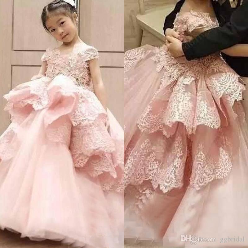 Prinzessin Rosa Rüschen Blumenmädchenkleider für Hochzeit Flügelärmeln Lange Kleinkind Kids Formal Pageant Geburtstag Party Kleid