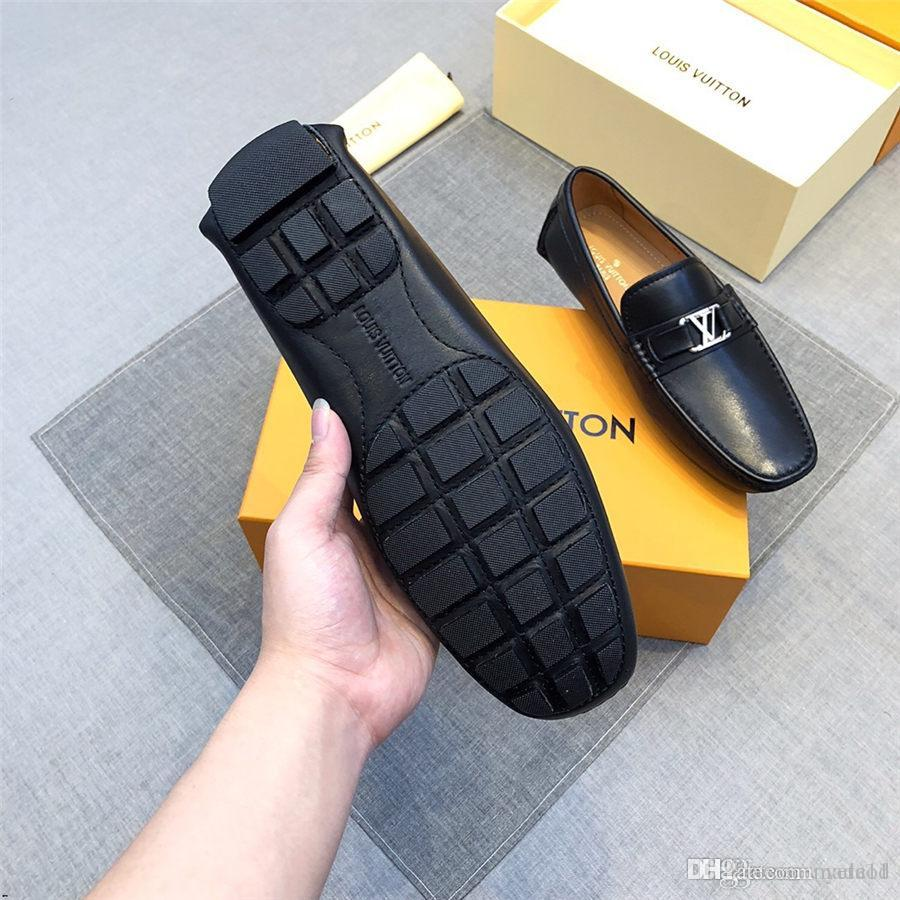 20ss manera de los hombres zapatos casuales de cuero de los holgazanes de los hombres se deslizan en los holgazanes de vestir Pisos de lujo del metal de las lentejuelas de los hombres de los zapatos de conducción de zapatos MADAOD
