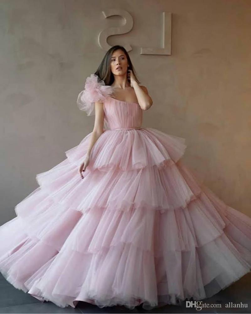 Abiti da ballo a sfera di una spalla leggera Dressini Quinceanera Abiti Tulle Tiered Cupcake Formali Abiti da ballo Formale Dresses Dolce 16 Età Vestidos de quinceanera