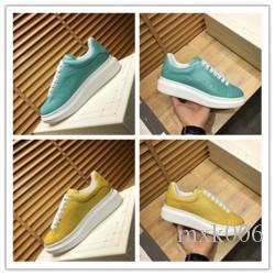 2020 New Designer verziert Spikes Flats Luxury Schuh für Herren-Frauen-Partei-Liebhaber echtes Leder-beiläufigen Schuh-Turnschuh-k0283