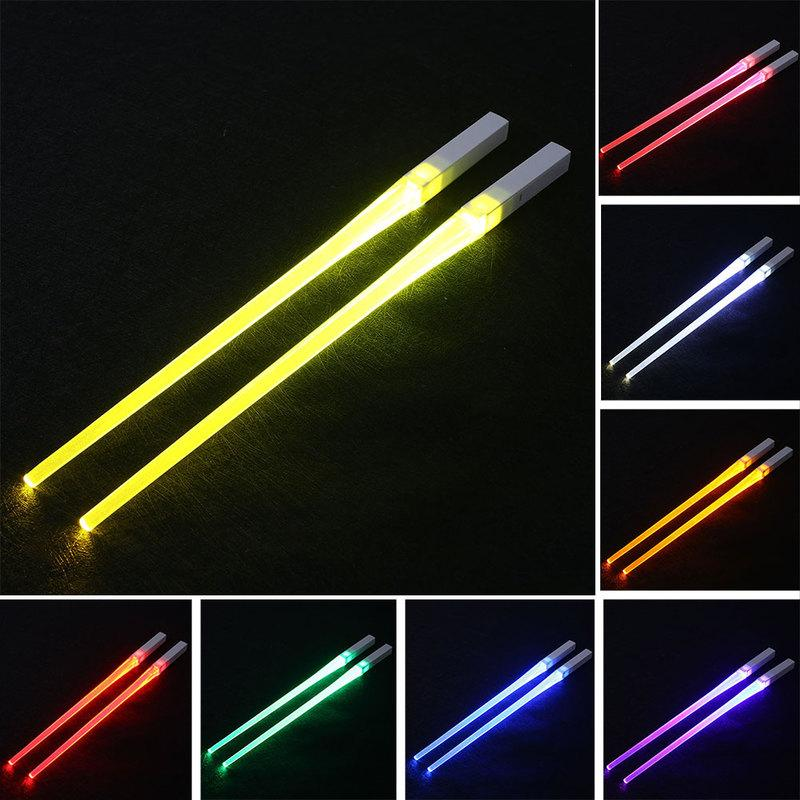 LED Işın kılıcı Chopsticks Yeniden kullanılabilir Light Up Chopstick Mutfak Parti bulaşığı Yaratıcı Dayanıklı Hafif Parlayan Chopstick