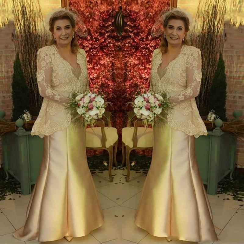 2020 Vintage manches longues robes d'or Mère Robes de soirée Wears V Neck Top Appliques longue satin mère de robe de mariée