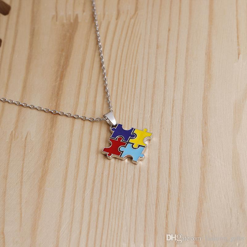 30pc émail coloré puzzle collier pendentif puzzle Cartoon Kawaii cubique meilleur cadeau de famille ami bijoux colorés collier de sensibilisation à l'autisme