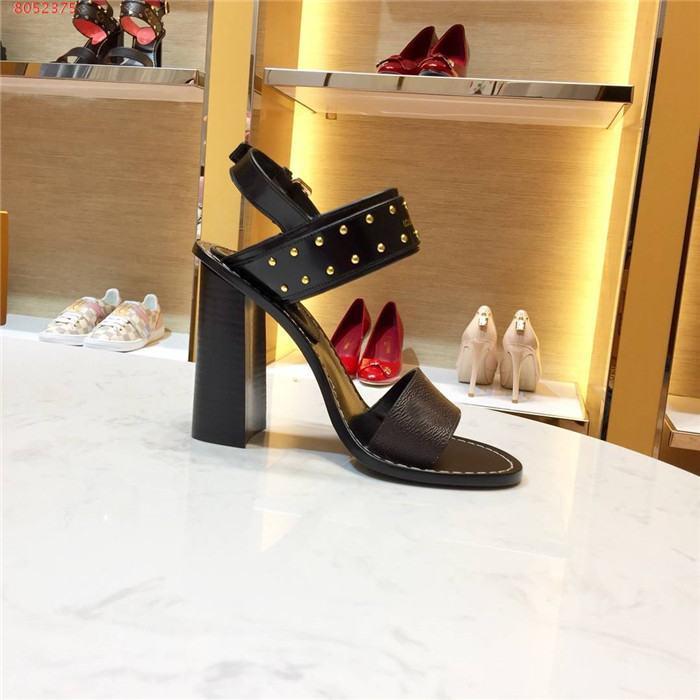 2020 nuevas llegadas para mujer de las sandalias gruesas diseñador de moda, sandalias de tacón de aguja con remaches, nuevas mujeres internacionales calzado cómodo size35-42