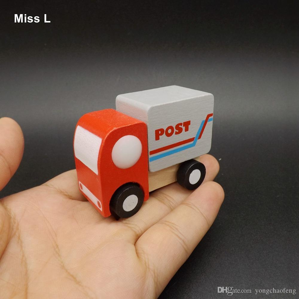 Os modelos giratórios do caminhão da mini roda de carro do cargo simulam o miúdo pequeno do brinquedo dos automóveis