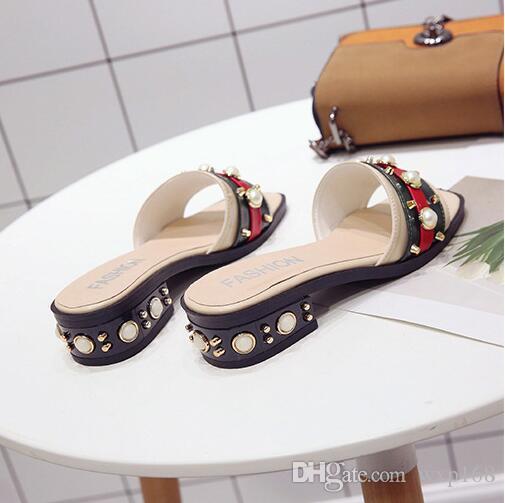 Pantofole Moda Donna Estate Femminile Nuove Moda Donna Casual Abbigliamento con Rivetti di Perle Flip-flop Donna Pantofole da donna