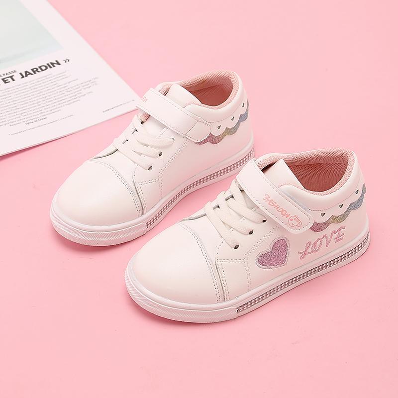 Filles Chaussures de sport de mode Lettre d'amour plat Chaussures Printemps Automne Enfants Bébé Fille Chaussures Blanc STQ004 étudiants
