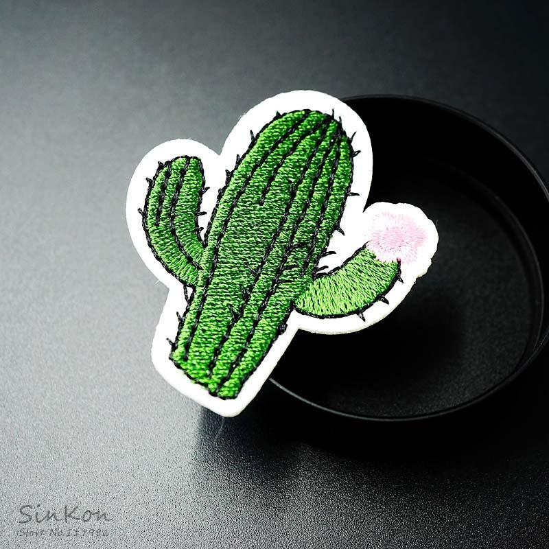 Cactus Dimensioni: 4.3x5.1cm ferro sulla zona ricamato Applique cucire vestiti adesivi per l'abbigliamento Abbigliamento Accessori Badges