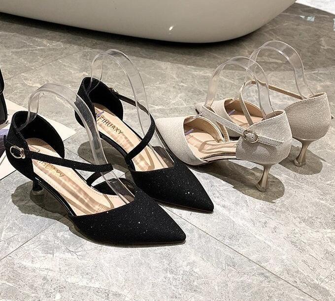 Sommer 2020 neue Art und Weise Allmädchen kleine frische Schnallengurt mit einzelnen Schuhen ist die erste Wahl für die Frauen Hochzeitsmahl JM208