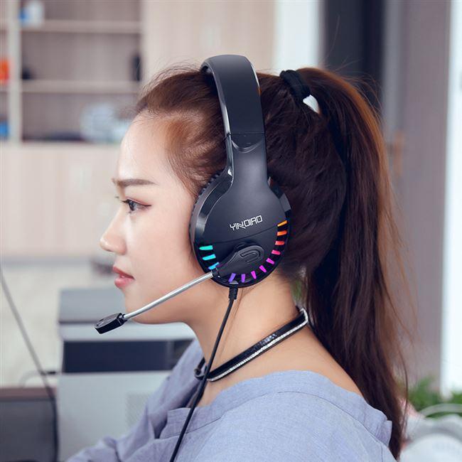 Q2 luminoso USB estéreo de 3,5 mm con cable auricular auriculares para jugar un juego sobre la oreja RGB con control por voz del micrófono para PUBG jugador ordenador portátil