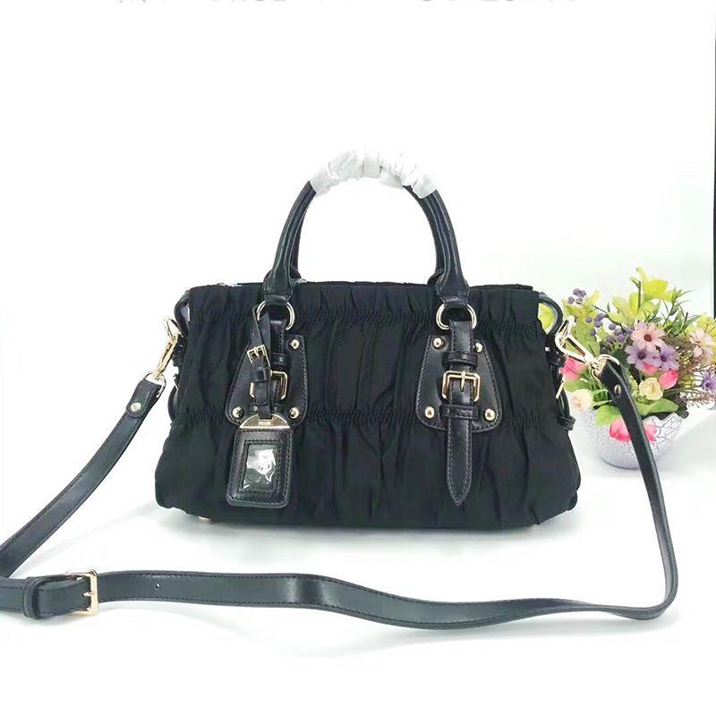 Pour les épaules de messagerie en toile Wholesale femmes femmes imperméables sacs à main de sac classique sac sac de vachette cuir fourre-tout sac à main PUR PUR TIPFM