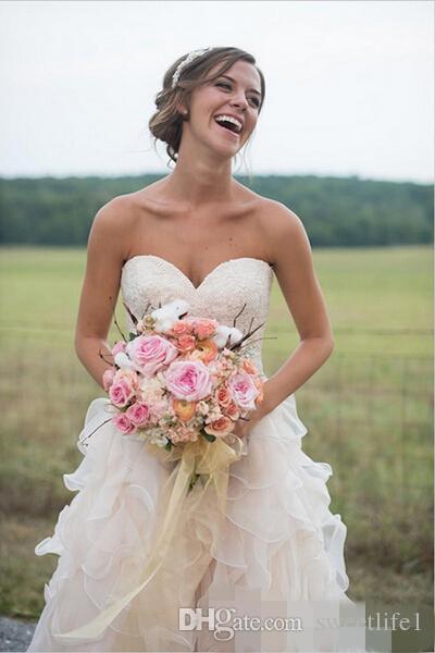 Blush Pink Backless increspature abiti da sposa per la sposa in pizzo Sweetheart Vintage Tiered gonne una linea di abiti da sposa con cappella treno