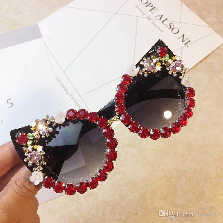 Sun Outdoor Fatti a mano Retro Cat Flower Commercio all'ingrosso Grandi occhiali da sole Donne Fashion Party Eye Brand Strass Occhiali SJPVX