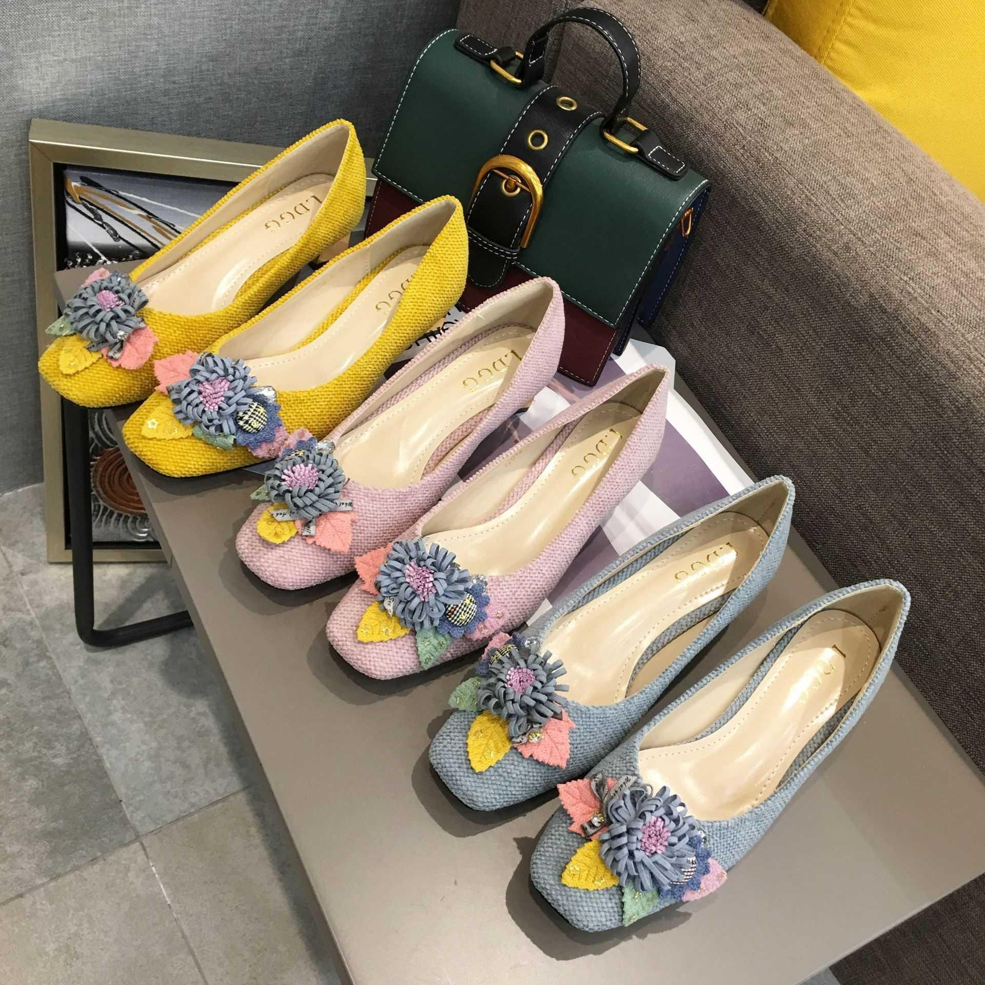 woman casual shoes 2019 fashion Lady Gold Crude High heel shoe square Toe cap chrysanthemum Colored leaves design Asian