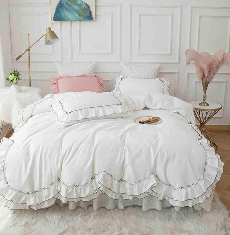 Weiß Ägypten Baumwolle Princess Bettwäsche-Set Luxuxhochzeits-Bettbezug Bettrock Blatt Solid Color Bettdecke Satz Rüschen Bettdecke Bettwäsche