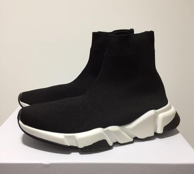 2019 Socken-Schuh Speed gestrickte Trainer-zufällige Turnschuhe Speed Trainer Socken-Rennen Mode Schwarze Schuhe Männer und Frauen High Cut Schläppchen