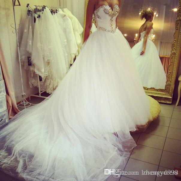 Bling cristal robes de mariée Décolleté pour les femmes mariée corset chapelle train robe de mariée pas cher Designer
