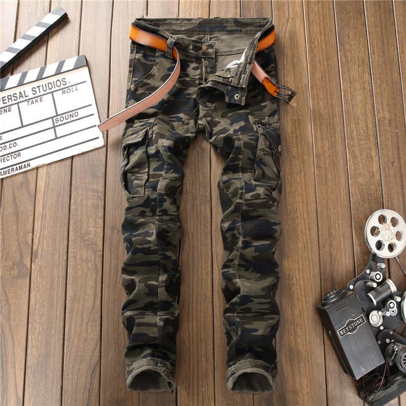 Dei nuovi uomini di camuffamento cucitura denim pantaloni coreano stile militare stretti Camo tasche dei pantaloni multi-zip dei jeans casual pantaloni militari