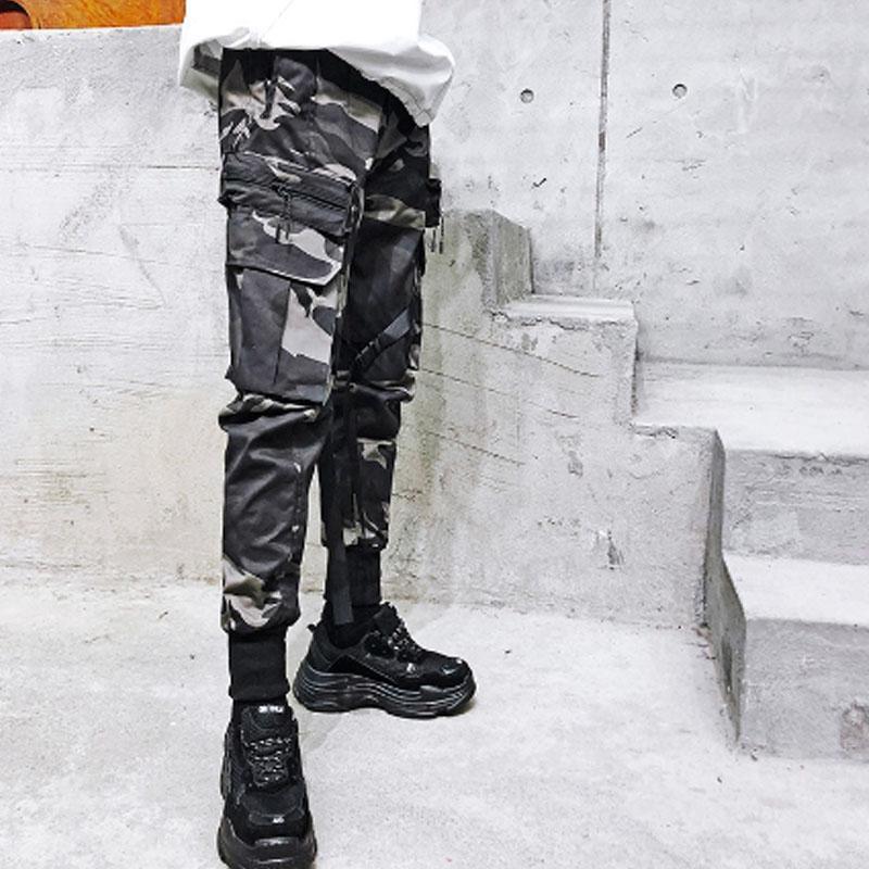 Calcas da carga dos Homens multi-bolsos camuflagem do hip hop punk rocha fita patchwork Harajuku mens Calcas slim fit corredores