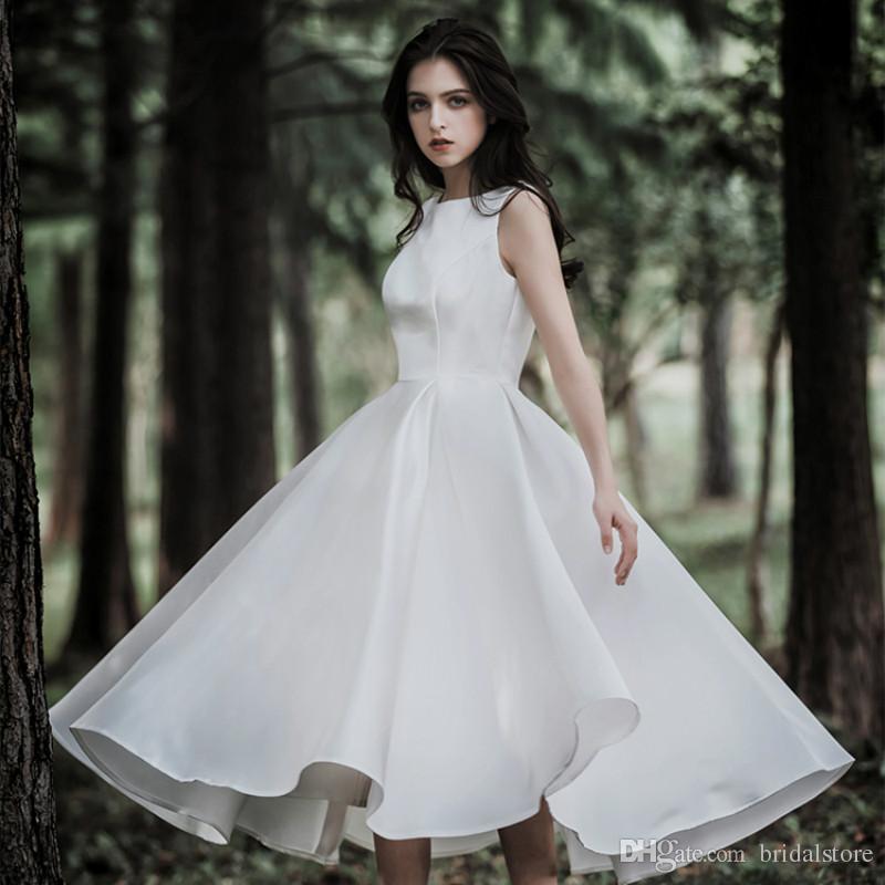 nozze Fata semplice lunghezza del tè veste un raso linea gioiello collo Garden Paese economici Abiti da sposa Modest Boho cerniera posteriore vesti de mariée