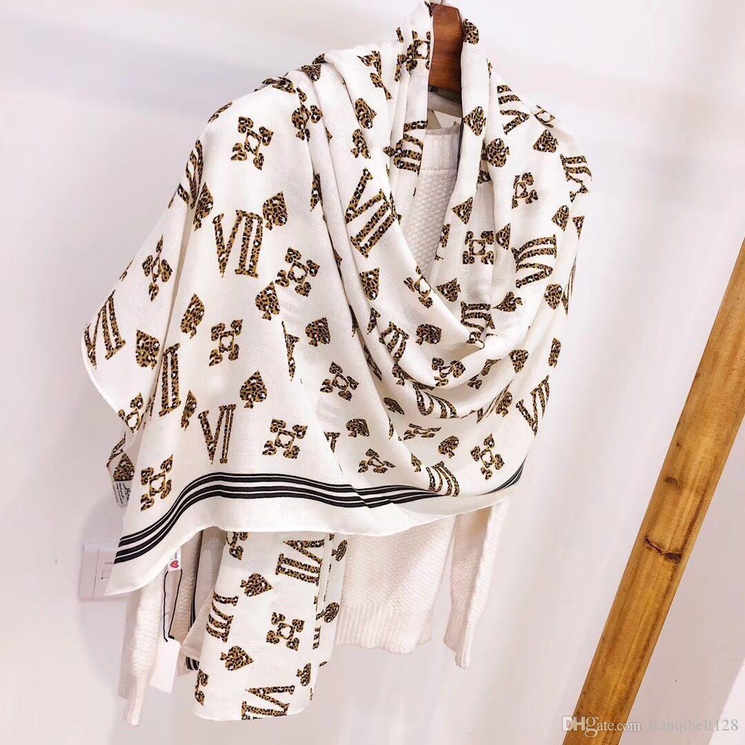 Nuova tendenza design designer all'ingrosso uomini nuovi della stampa biancheria delle donne sciarpa delle e lo stile delle donne scialli 180 * 70 scatola di 3 colori