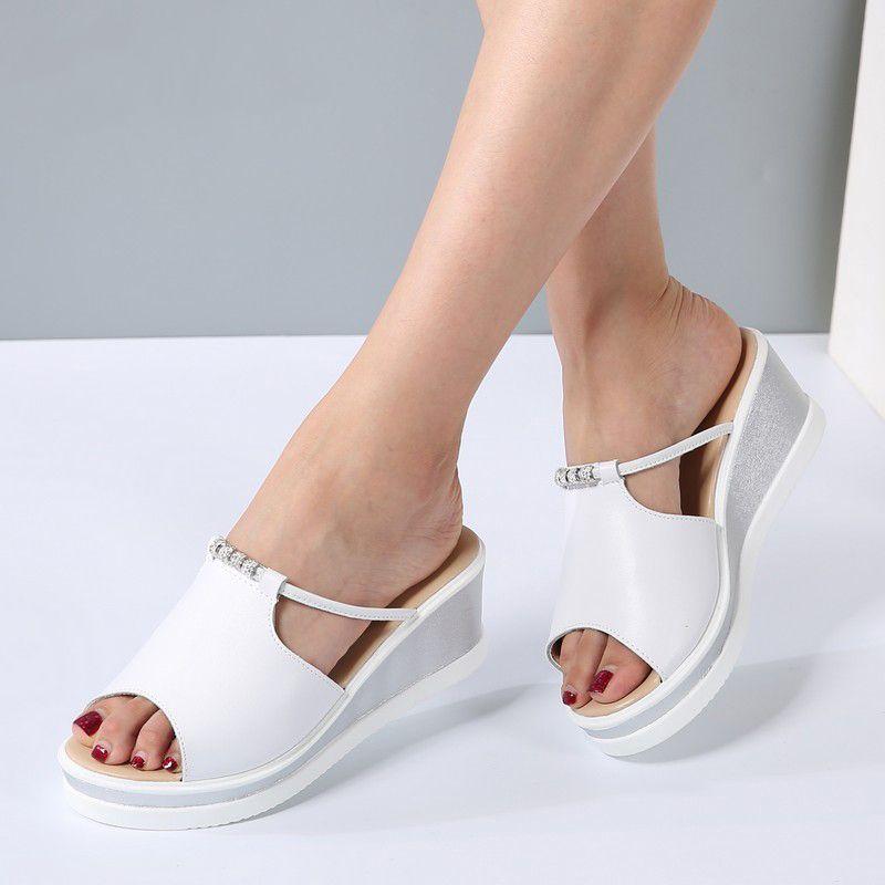 Salto Mulheres Chinelo Sandálias Cunhas Plataforma Peep toe de couro de cristal elegante Sandals Feminino Ladies mulas obstruções Verão Shoes