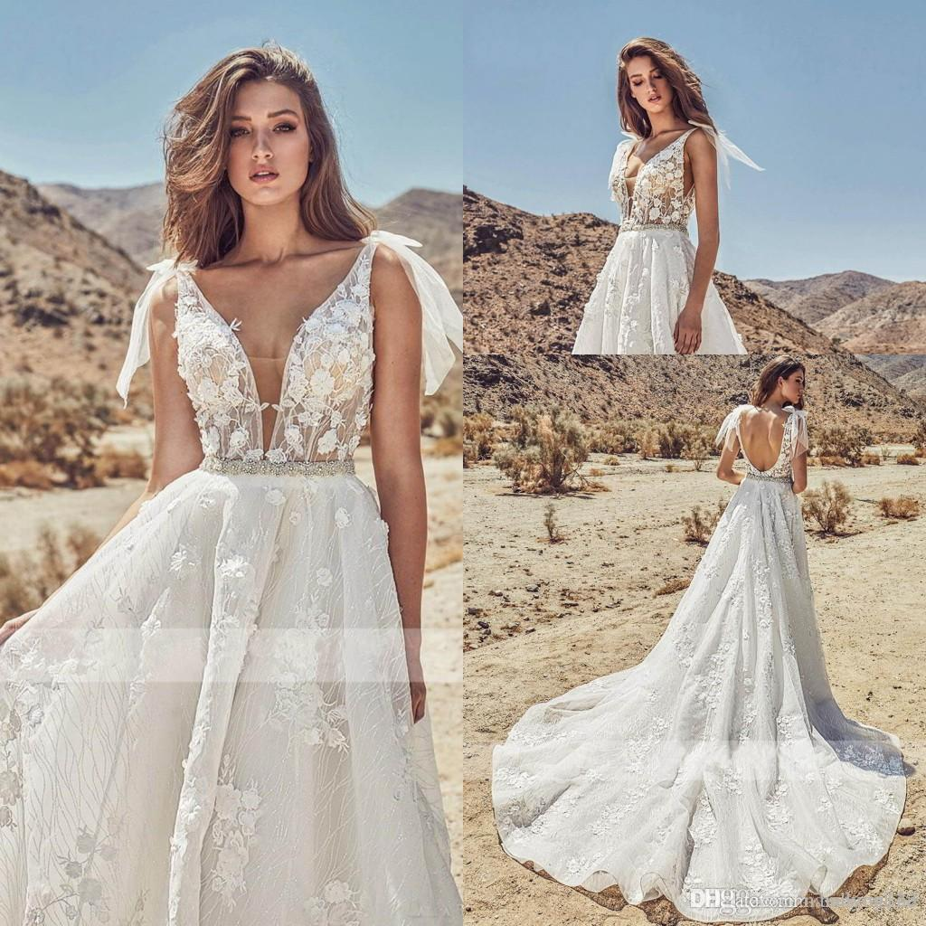 Newest Sexy Backless 3D Lace Wedding Dresses Sleeveless Tulle Plunging Neck Appliqued Sleeveless Long Western Gothic Bridal Gowns Plus Size