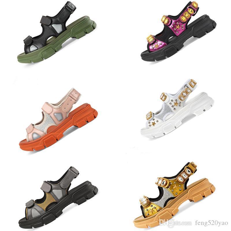 Rebitado sandálias de Esportes Designer de Luxo diamante masculino e mulher sandálias de lazer de couro de moda ao ar livre chinelos de praia Tamanho Grande 35-44 EUA4-11