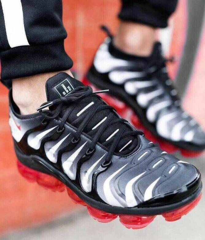 Nike Air Max Vapormax Shoes Tn Inoltre Metallic White Silver Triplevapormax Uomo Nero Scarpe da corsa con la scatola Tn Inoltre scarpa da tennis Scarpe