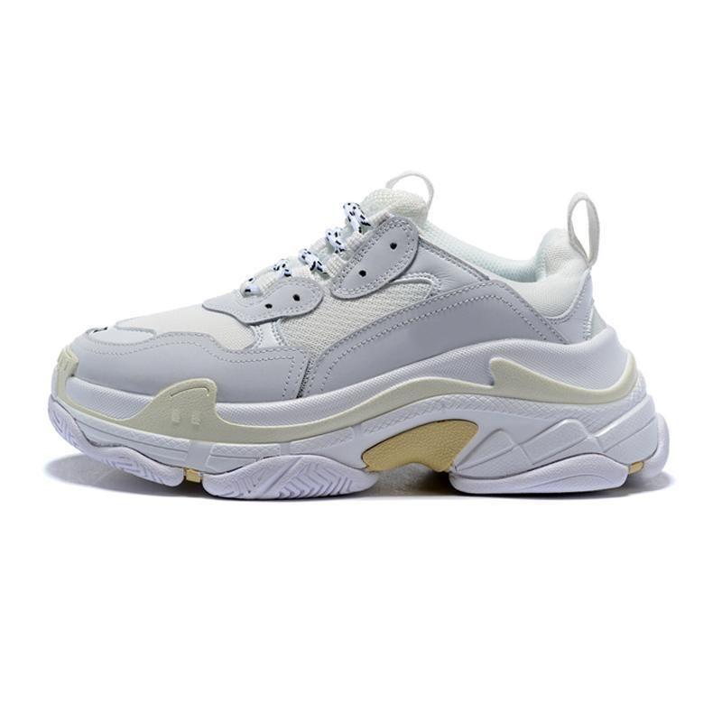 Erkekler Kadınlar Siyah Kırmızı Beyaz Yeşil Casual Baba Ayakkabı Tenis Lüks Artan Ayakkabılar Moda Tasarımcısı Paris 17FW Üçlü Sneakers