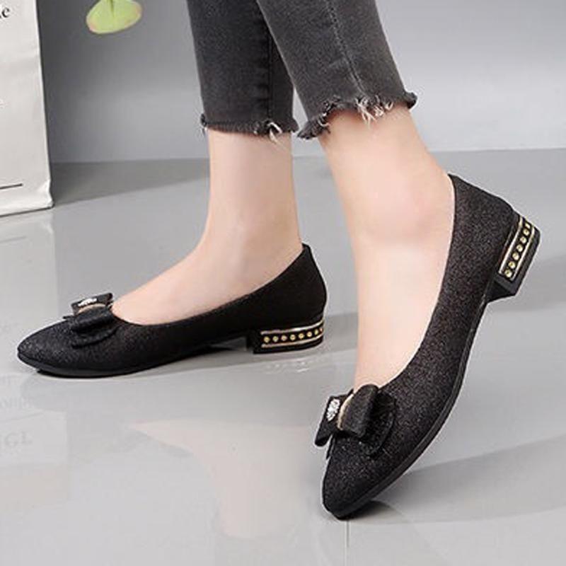 Schuhe Frauen-Ebene 2019 Mode-Schmetterlings-Knoten Loafers Frauen niedrige Ferse-flache Schuhe beiläufige Slip-on-Boot Flats