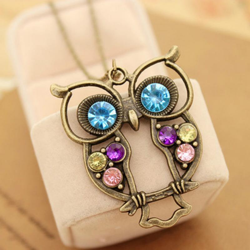 Mode Bijoux chaud Couleurs vintage creux Hibou mignon collier pendentif creux rétro sculpté chaîne chandail pour les femmes Sautoir