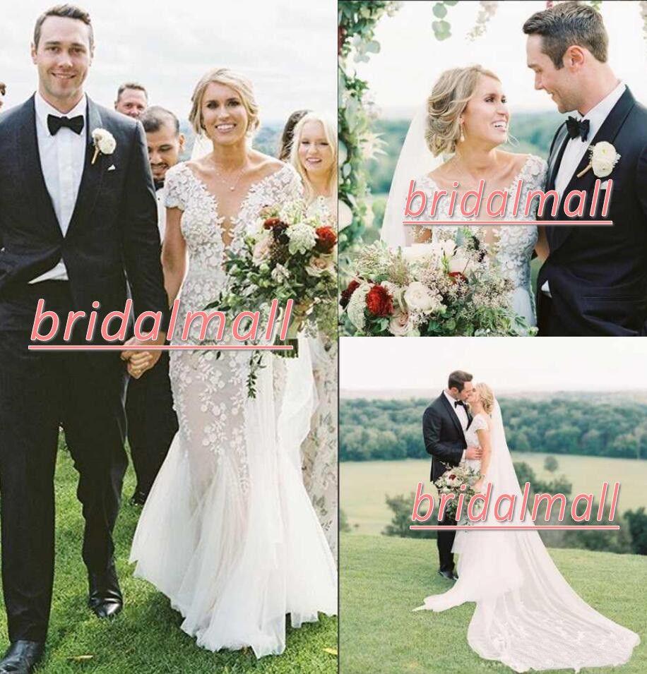 Plus Size 3D Appliqued Lace Mermaid Wedding Dresses 2020 Elegant V Neck African Bridal Gowns Backless Bride Dress Custom Robes de mariée
