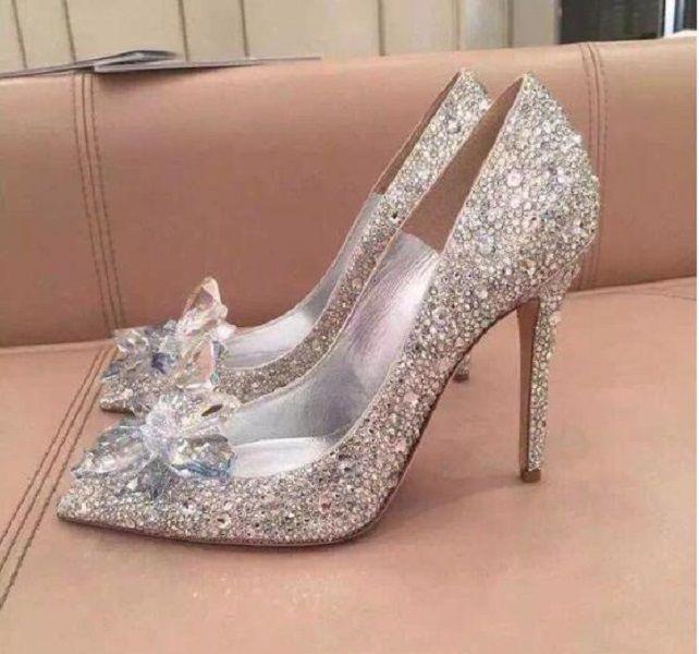Haut Grade Cendrillon de cristal chaussures de mariée strass chaussures de mariage avec des talons de balle en cuir véritable haute fleur de femme haut de talons