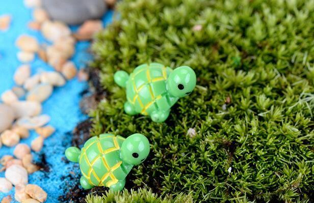 Artificial bonito verde tartaruga animais fada jardim miniaturas gnomos musgo terrários resina artesanato estatuetas para decoração do jardim