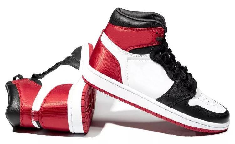 2019 Nuovo 1 raso nero le dita dei piedi scarpe da basket donne degli uomini 1s raso WMNS Bianco Rosso Sport Sneakers con la scatola