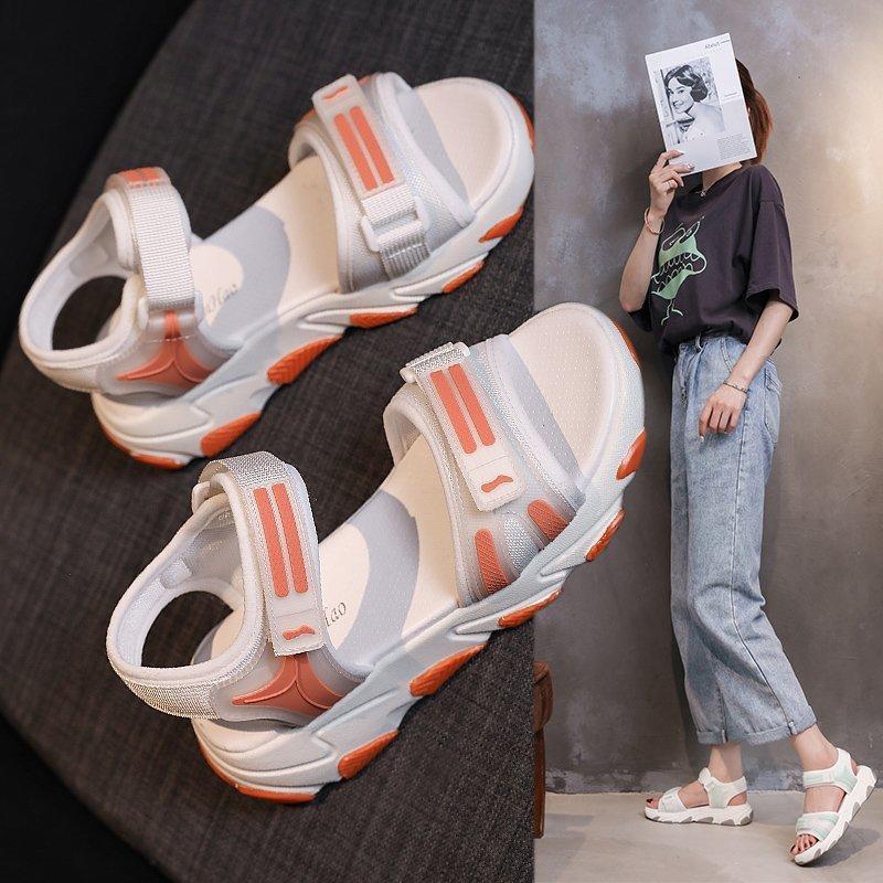 sandali di corrispondenza di nuovo colore estate 2020 fondo spesso aumentati i sandali femminili di sport di moda selvatici Z934 casuale