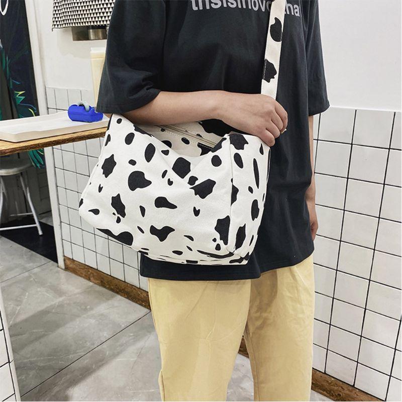 Mulheres da cópia da vaca Hip Plush cintura saco de embalagem Pouch Esporte cinta peitoral Crossbody Ombro Bolsa de alta qualidade e Nova