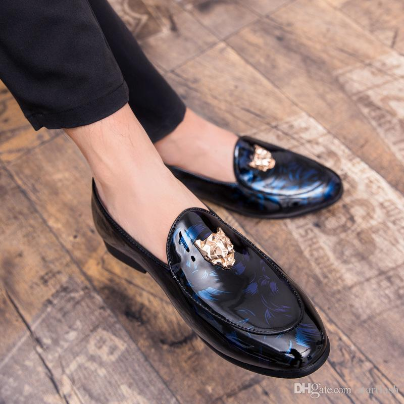 Men Loafers Trendy Patent Leather Fashion Male Dress Shoes Designer Metal Buckle Casual Flats Party Wedding Dress Loafers Q-484