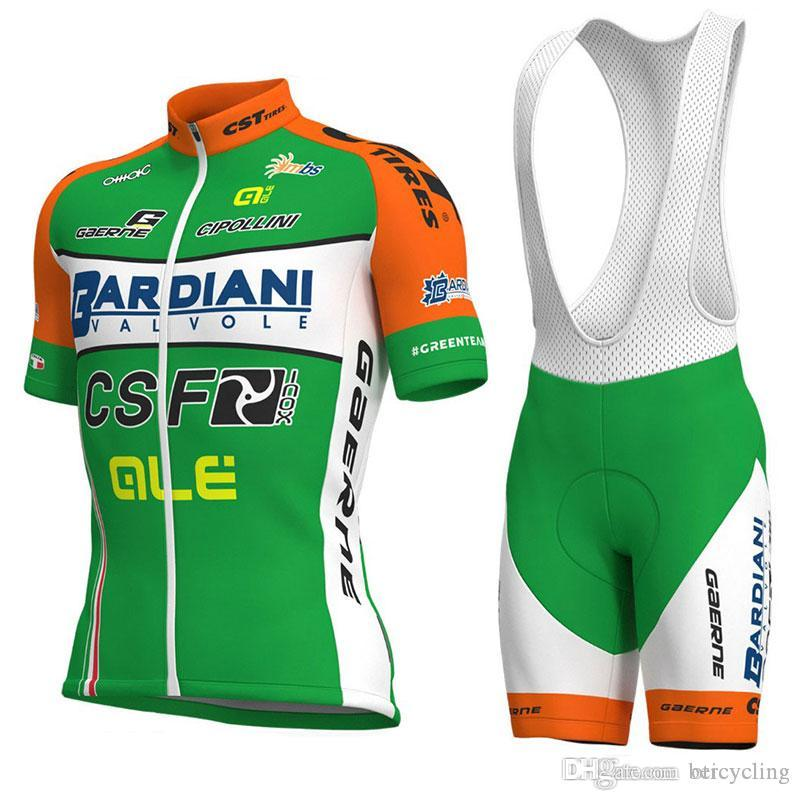 2018 Maillot cyclisme Maillot Ciclismo à manches courtes et cyclisme (bavette) de vélo de vélo Short Kits Sangle Ciclismo de B18040408