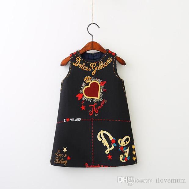 Italie Luxe Célèbre Designer Bébé Filles Gilet Dress Party Show Robes Sans Manches Coeur Imprimer Enfants Designer Vêtements D Home Poncho