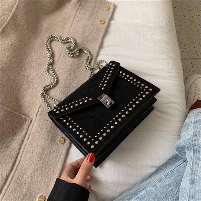 Scrub couro pequeno Messenger Ombro Bolsas nova cadeia de rebite Bloqueio Crossbody Bag Feminino Viagem Mini sacos para as mulheres 2019