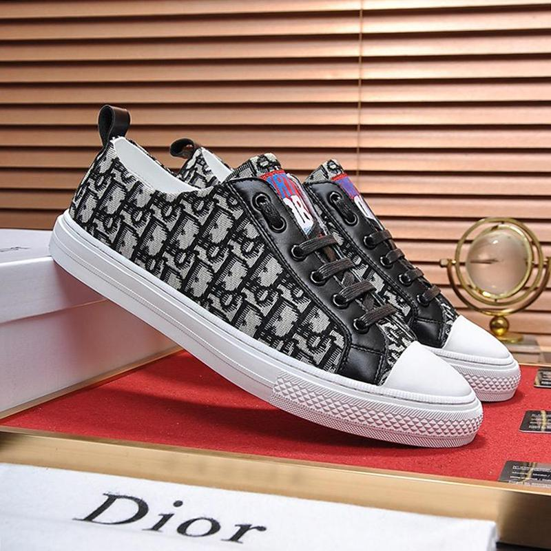 Breathable Mens Canvas Shoes Luxury
