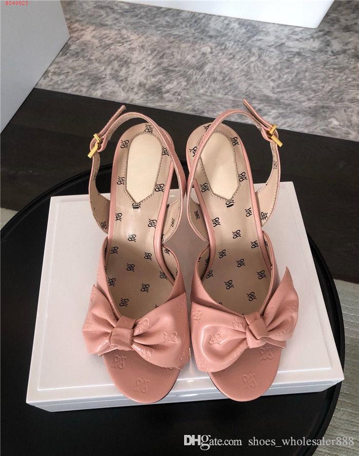 Verano 2020 sandalia uno-de-una especie de estilo de cuero para las mujeres con un tacón grueso y un tacón alto con una altura de tacón de 9,5 cm