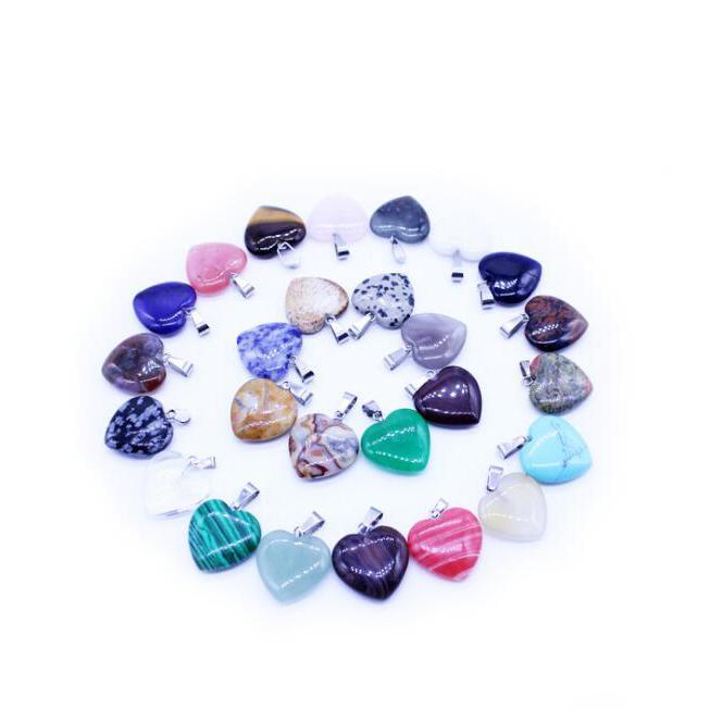 20pcs / Lot naturel Quartz Cristal Précieuses Pierre amour en forme de coeur rock guérison point Chakra collier pendentif bijoux à la mode