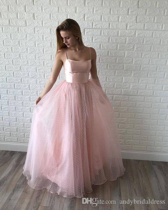 Blush rose pointillées Tulle longues Robes de mariée 2020 bretelles spaghetti vague cou mariage pas cher robes de femme de chambre d'hôtes