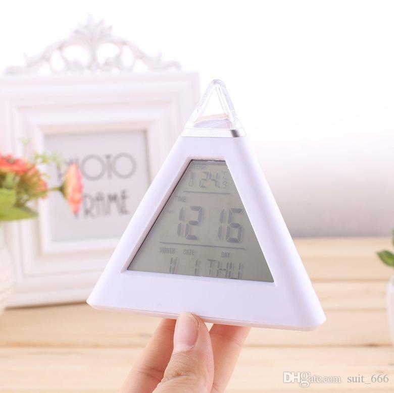 Triangle blanc alarme sept couleurs mode créative LED décolorée réveil paresseux réveil de décompression