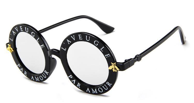 2020 nuova vendita calda degli occhiali da sole delle lettere di inglese Little Bee Occhiali da sole di marca degli uomini Occhiali Donne Fashion Designer Uomo Donna trasporto libero tondo